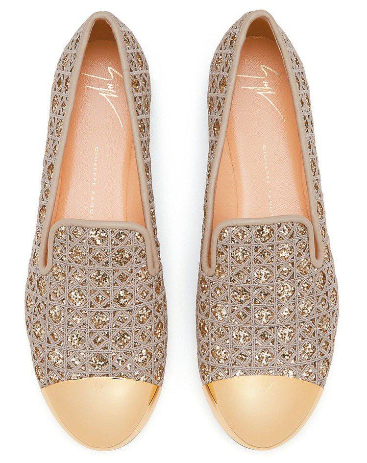 星砂亮片編織樂福鞋,售價24,800元。 圖/Giuseppe Zanotti ...