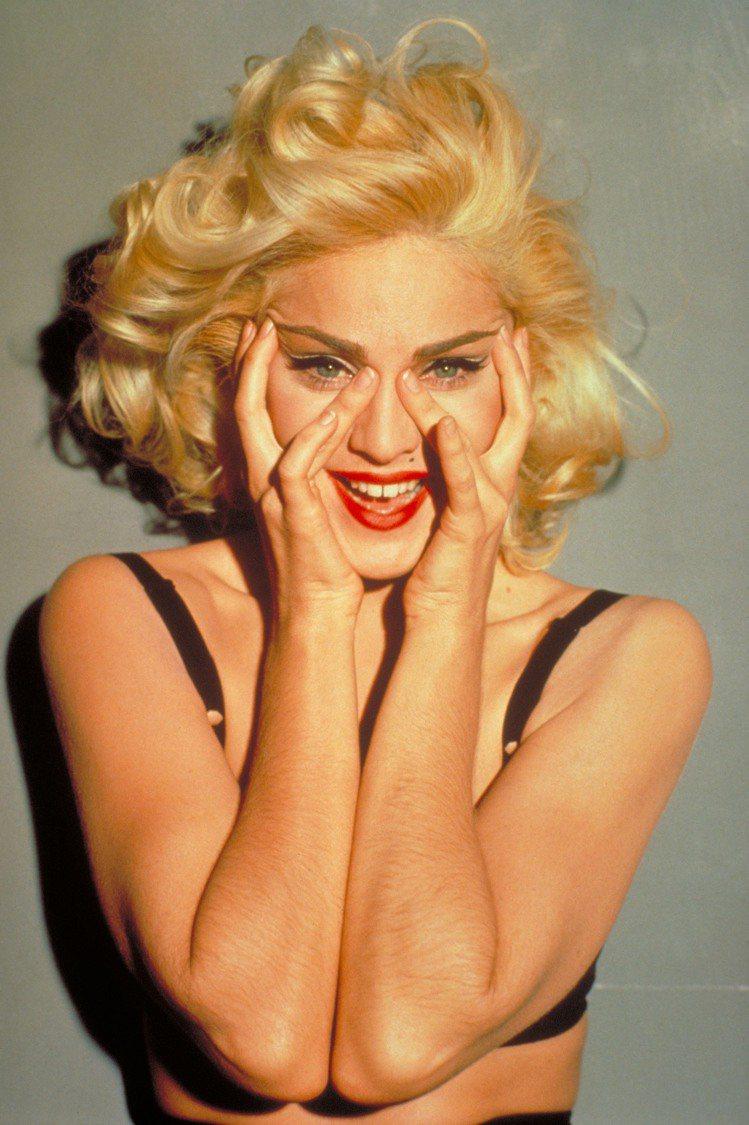 曾有人說,瑪丹娜的「性玩物」 (BOY TOY)本質,讓女性主義倒退了30年,但...
