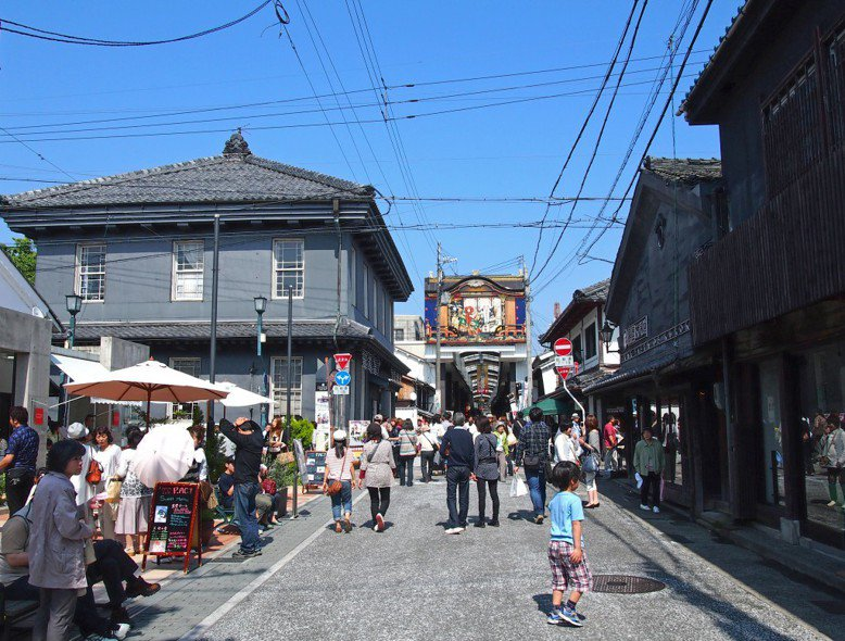 長濱市政府與民間企業合資成立街區公司,以保存並活化歷史建築。 圖/ 長浜・米...