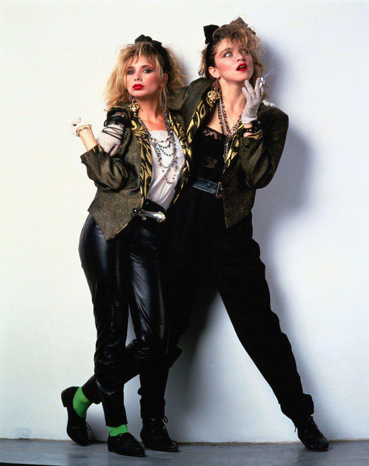 瑪丹娜從八○年代紅到現在,橫跨三個十年的流行分水嶺,幾乎沒有什麼造型是她沒嘗試過...