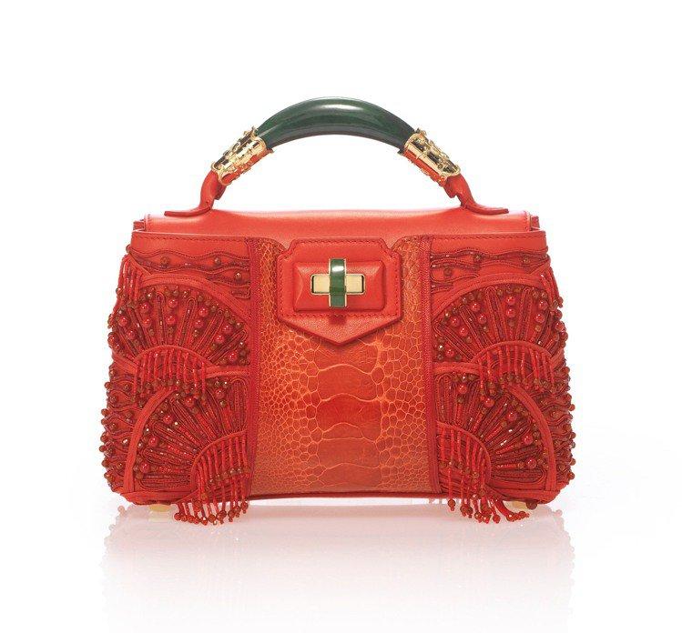 玉鐲提包系列浪漫高原方包,售價89,000元。圖/夏姿提供