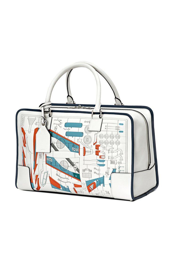 Amazona鑲嵌工藝太空船手袋,10萬7,000元。圖/LOEWE提供