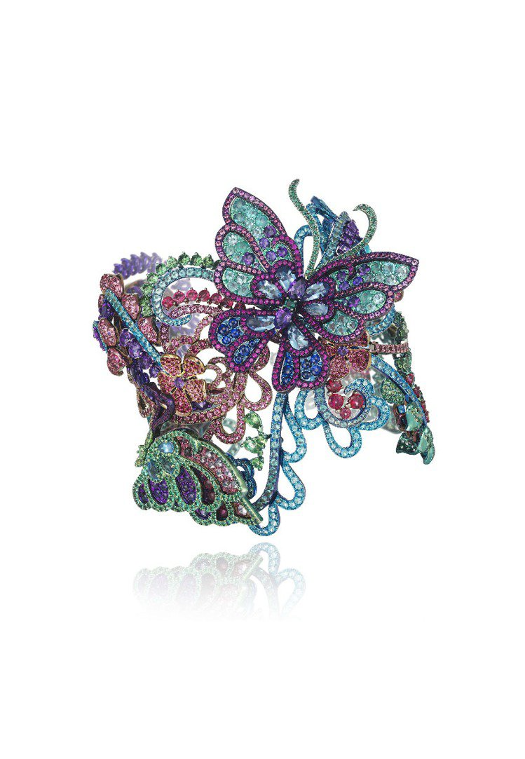 高級訂製珠寶系列蝴蝶手鐲,鈦金材質,鑲嵌尖晶石、帕拉伊巴碧璽、沙弗萊石、紅寶石、...