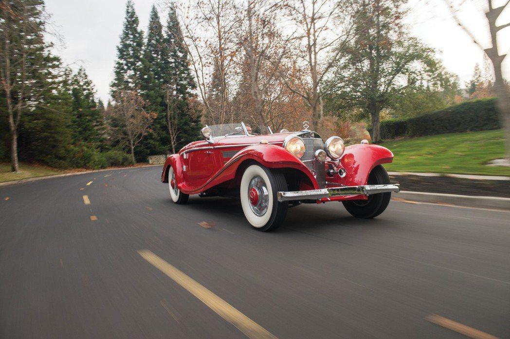 日前RM Sotheby's拍賣會上,成功售出一款M.Benz 540K特仕版雙座敞篷骨董車。 摘自RM Sotheby's