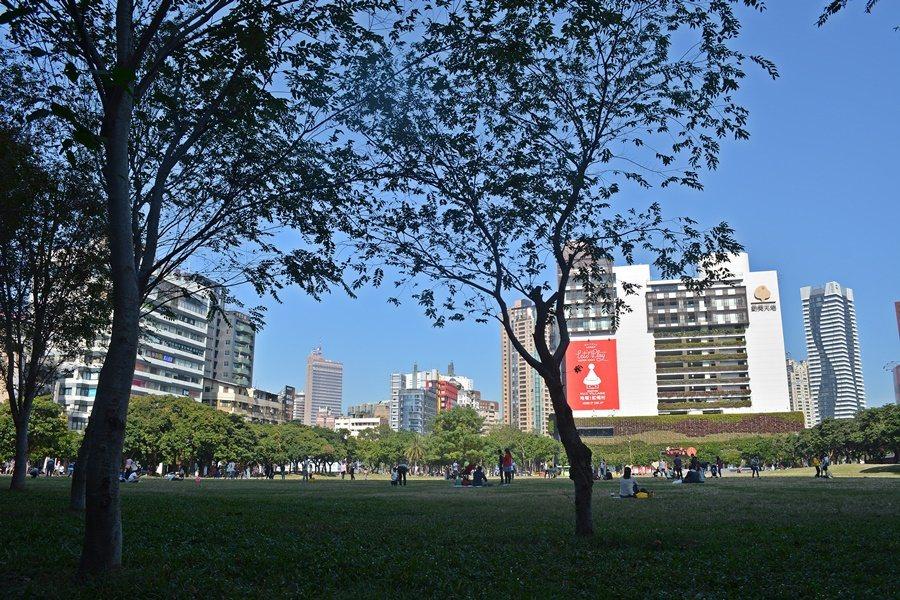距離酒店最近的綠地勤美誠品綠園道,是假日人氣最高的綠地。