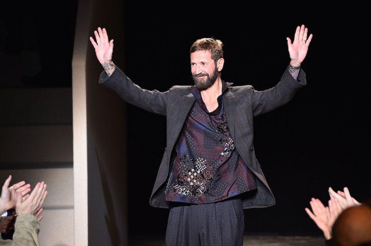 在這波離職潮中設計師Stefano Pilati也傳出離開Ermenegildo...