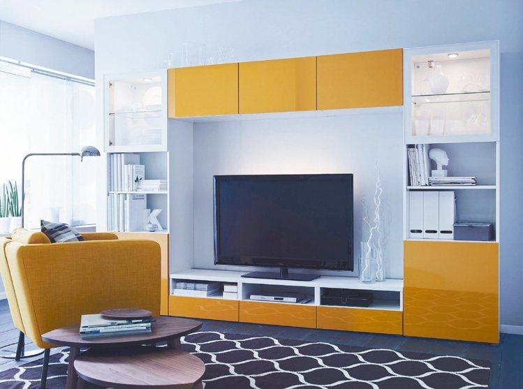 新春布置一級戰區:客廳!要完成大掃除,「聰明收納」是非常重要的工作。 IKEA/...