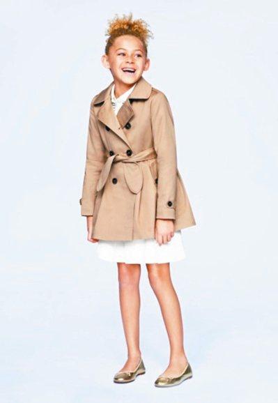 「大人感時尚」在童裝消費市場吹起一股新風潮。圖/UNIQLO提供