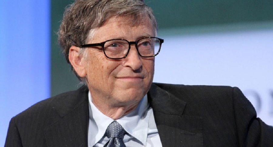 Microsoft創辦人Bill Gates最近在BBC的訪談節目中爆自己的料。 摘自carscoops.com