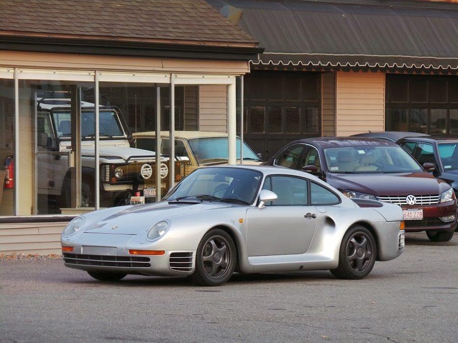 Bill Gates擁有一輛Porsche 959。 摘自carscoops.com
