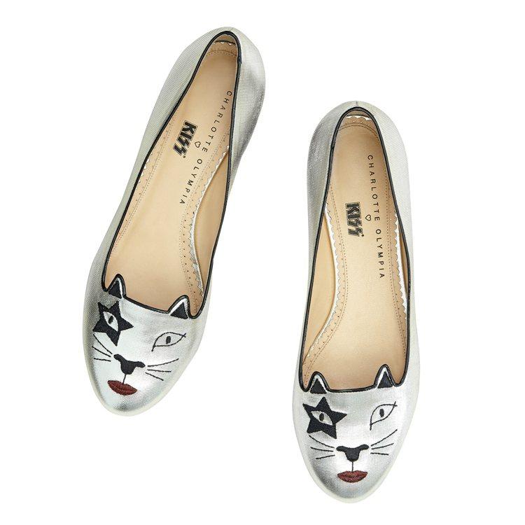 樂團貓咪平底鞋,售價21,800元。圖/CHARLOTTE OLYMPIA提供
