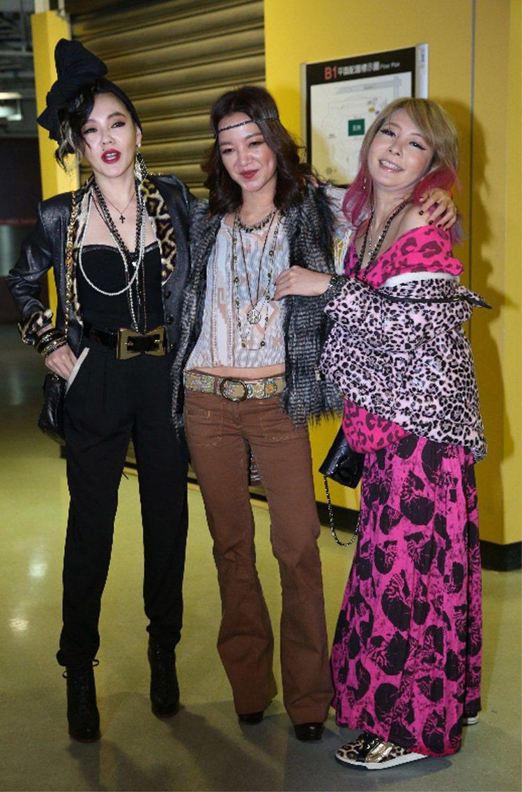 小S(左起)阿雅、Makiyo觀賞瑪丹娜台北演唱會。記者陳瑞源/攝影
