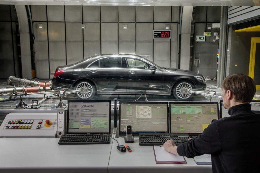 為降低地球暖化加劇,2017年起,許多歐系進口車都將陸續配備二氧化碳空調系統,賓士則是率先啟用二氧化碳空調的車廠。 圖/Mercedes Benz提供