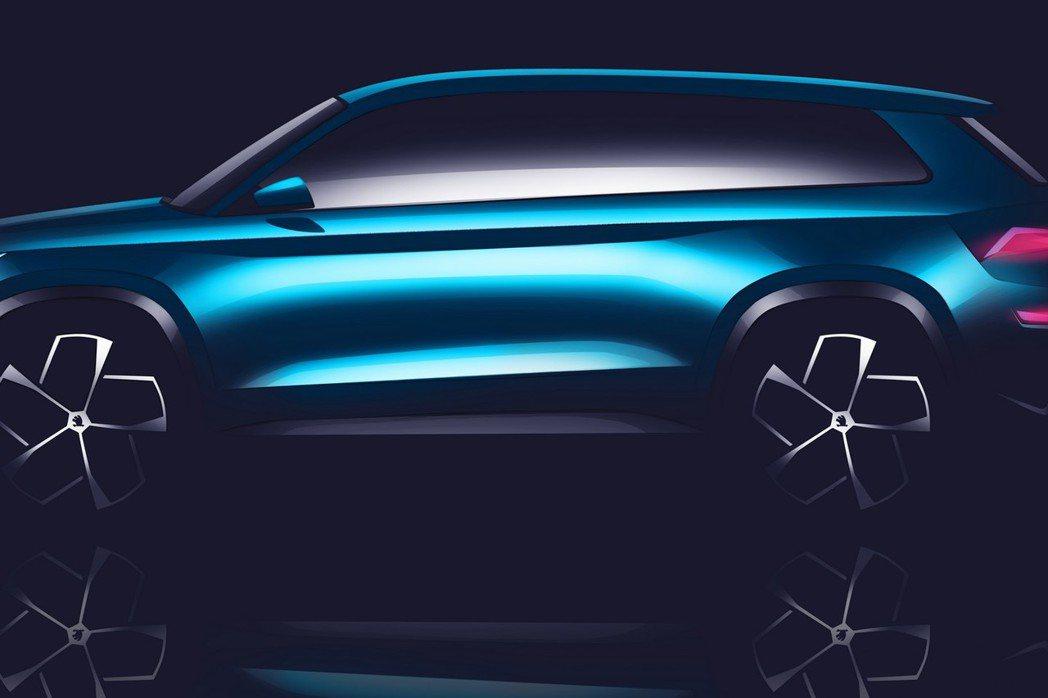 VisionS concept車體長寬高約為4700x1900x1680mm,內...