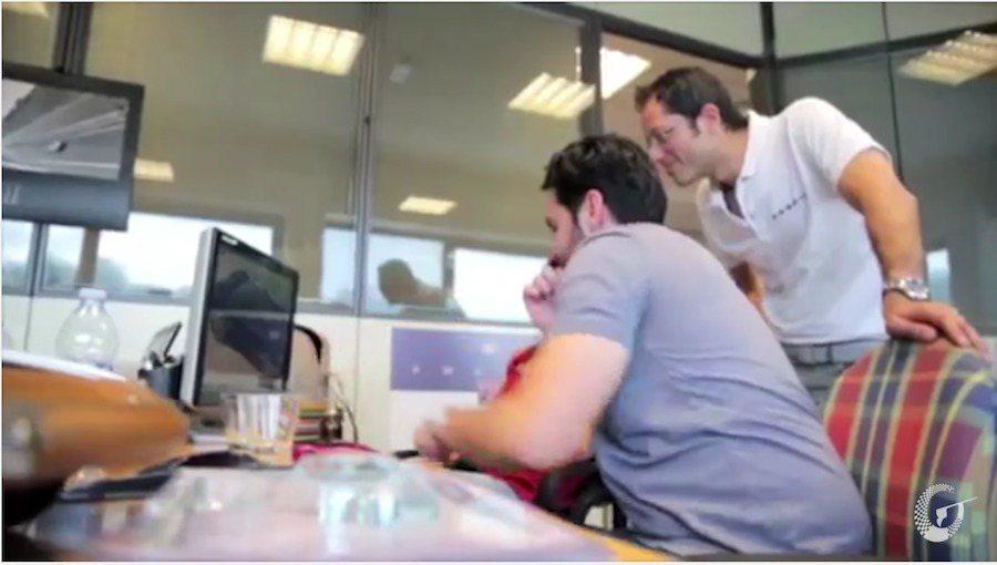 Pagani Huayra全車材質皆可客訂打造。 截自SalomanDrin影片