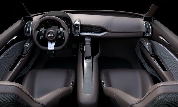 內裝採簡單清爽的格局設計,加上人性化的座艙配備,提升實用性。 KIA提供
