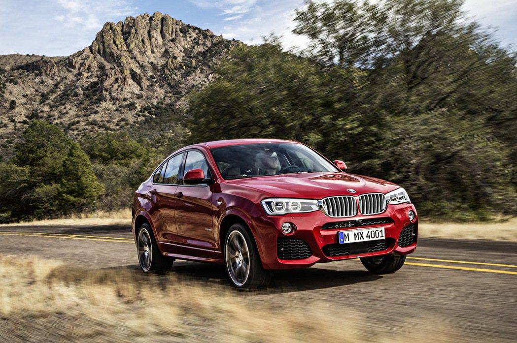 BMW X4搭載M款跑車化套件。 圖/汎德提供