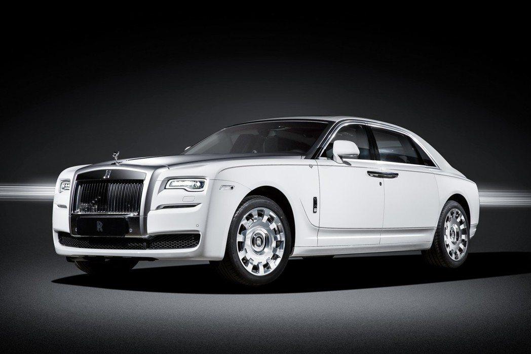 Rolls Royce於情人節前夕推出Ghost Eternal Love情人節特仕車,意圖搶攻金字塔頂端市場。 摘自Rolls Royce