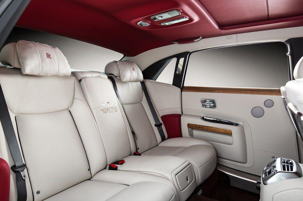 座艙內依舊保留Rolls Royce奢華的格局鋪陳。 摘自Rolls Royce