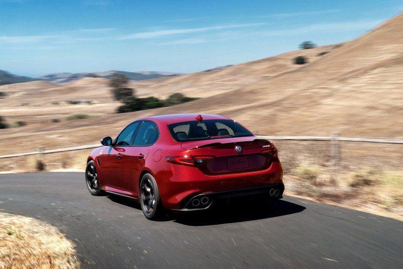 原廠Alfa Romeo雖解釋,是為了減少製造與研發成本所導致延後上市。 摘自Alfa Romeo