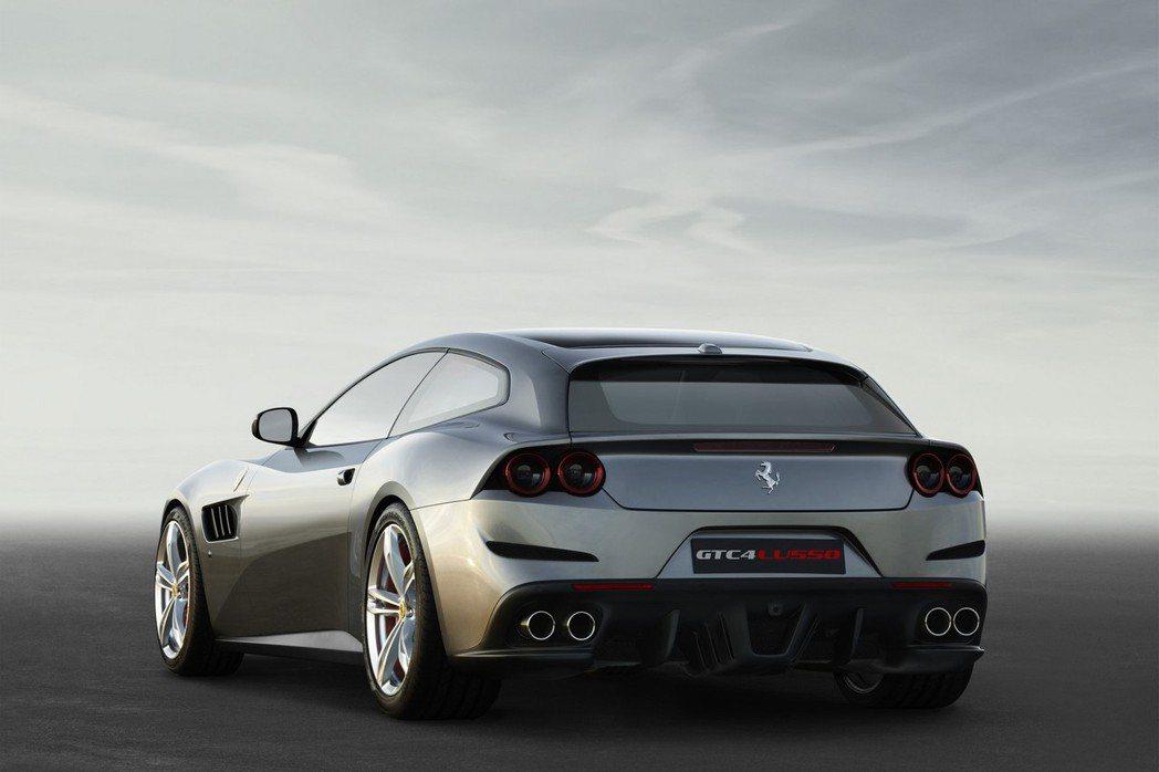 GTC4Lusso的命名是為了向330 GTC等Ferrari 2+2跑車致敬,而數字4則代表四座設定。 摘自Ferrari.com