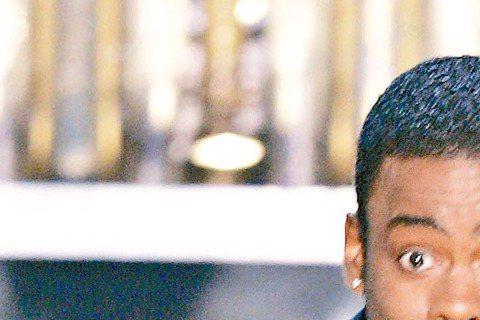 外傳他可能因為奧斯卡獎入圍名單獨缺黑人而可能婉拒主持之後,黑人喜劇演員克里斯洛克仍將主持2月底的奧斯卡頒獎典禮。