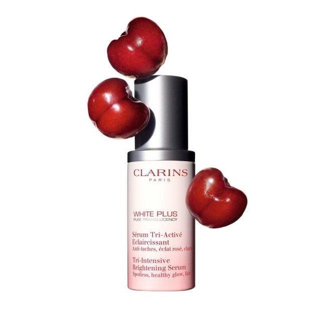克蘭詩智慧美白淡斑精華使用加勒比櫻桃精萃,30ml/3,000元。圖/克蘭詩提供