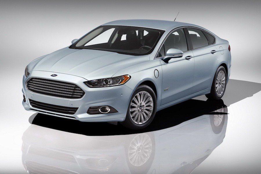 Ford Fusion(Mondeo) Hybrid在油電車的分類中取得性價比榜首。 Ford提供