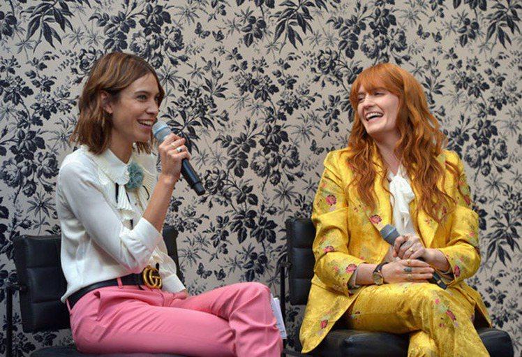 Florence Welch接受英國另一大時尚icon Alexa Chung的...