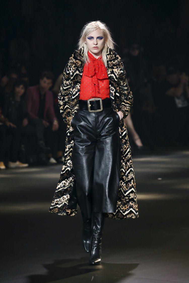 Saint Laurent在洛杉磯發表秋冬新裝,打破只在巴黎時裝周發表作品的成規...