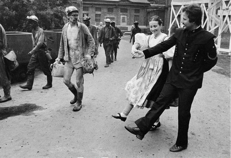《Ostrava》黑白系列攝影 捷克 奧斯特拉瓦1988 Viktor Kola...