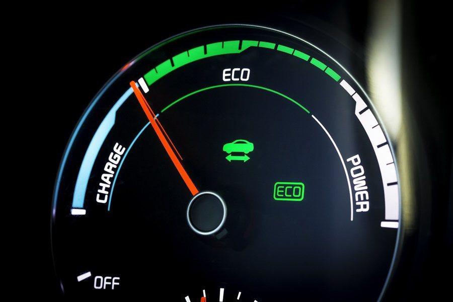 Optima PHEV,也具備經過改良的煞車動力回收系統,以提升煞車系統和複合動力系統多餘動能,使動能回收效率提升10%。