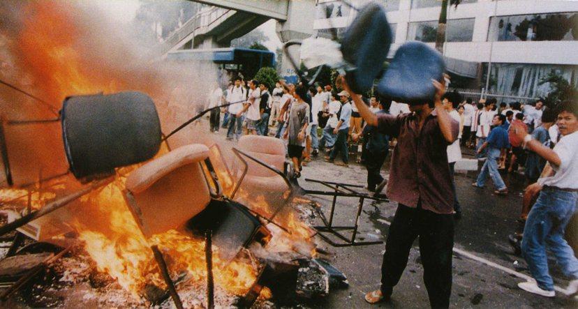 排華情緒在印尼並不特殊,1998年「黑色五月暴動」即是近幾十年來,印尼發生最大規...