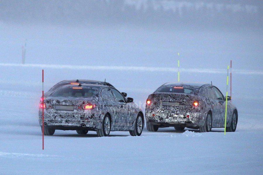 5GT車型與同場進行測試的四門5系列在外觀上有明顯不同。 摘自motor1.com