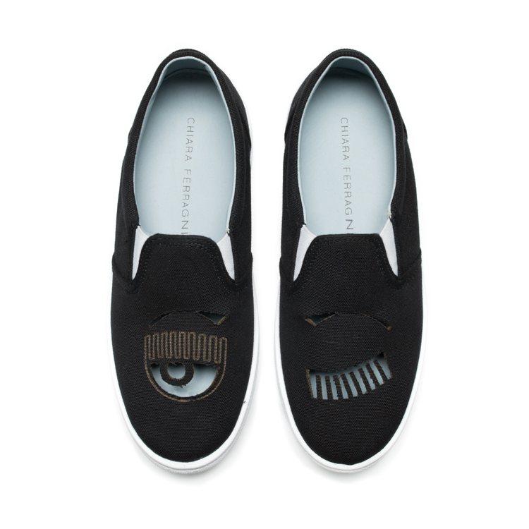 Flirting系列 黑色帆布簍空厚底休閒鞋 $10,200。圖/Chiara ...