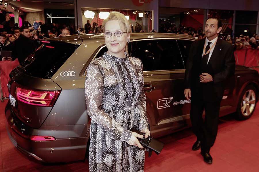 性格男星喬治‧克隆尼(George Clooney),以及柏林影展評審團主席─梅莉‧史翠普(Meryl Streep)等好萊塢巨星均搭乘四環品牌旗下的Q7 e-tron 3.0 TDI quattro現身。 Audi提供