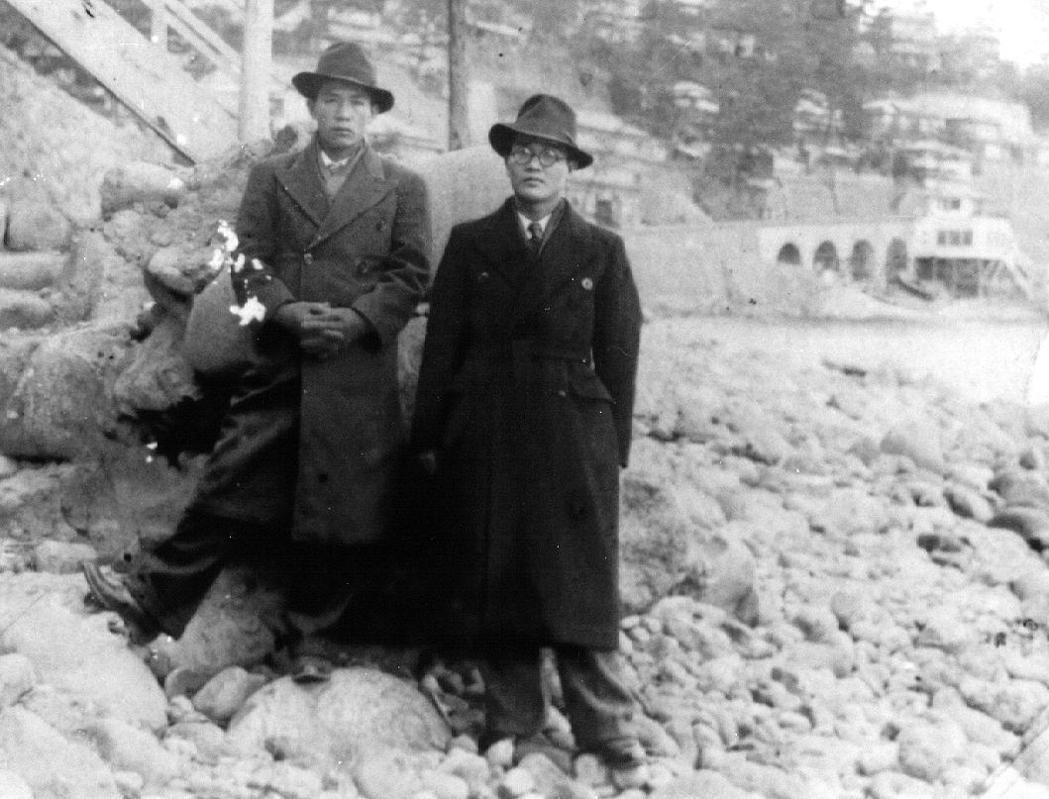 滿州國時期的鍾理和與其友人。 圖/鍾理和文教基金會提供