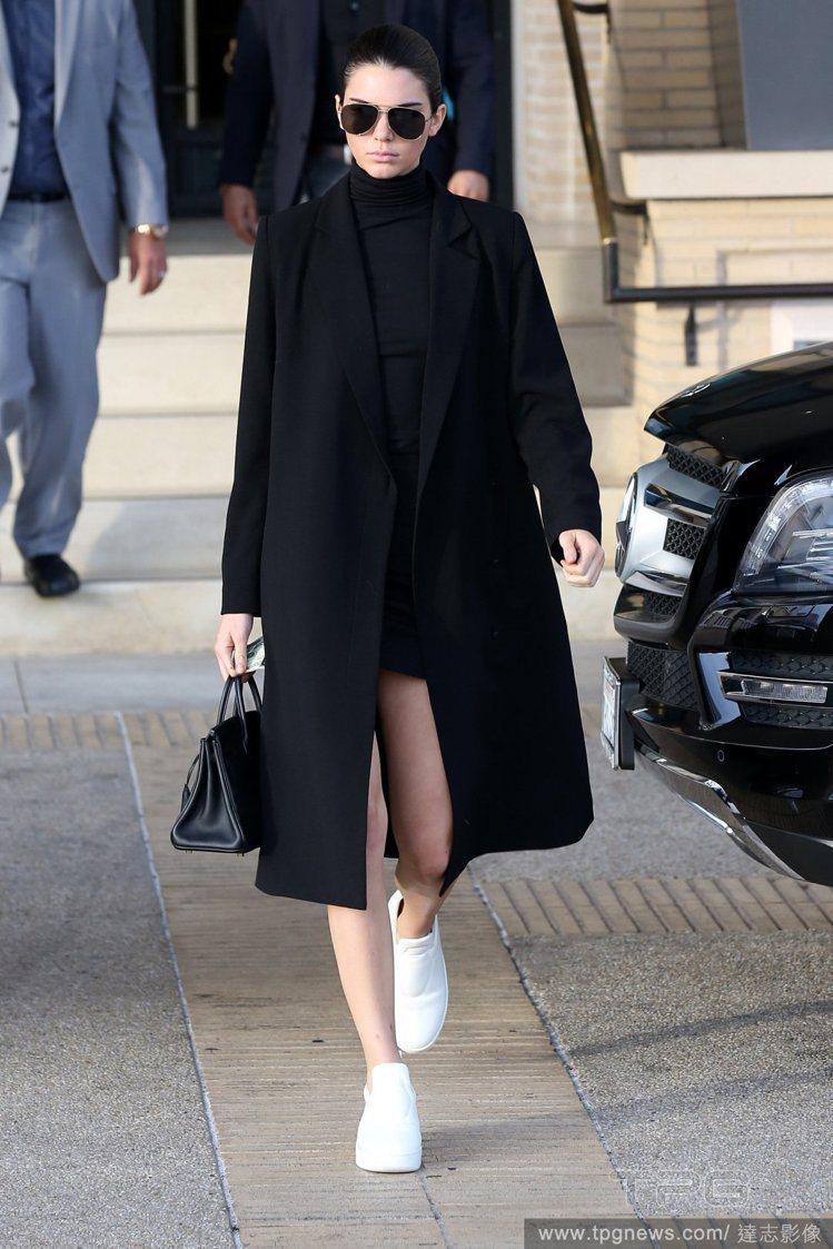 坎達爾珍娜喜歡俐落風格的私服。圖/達志影像