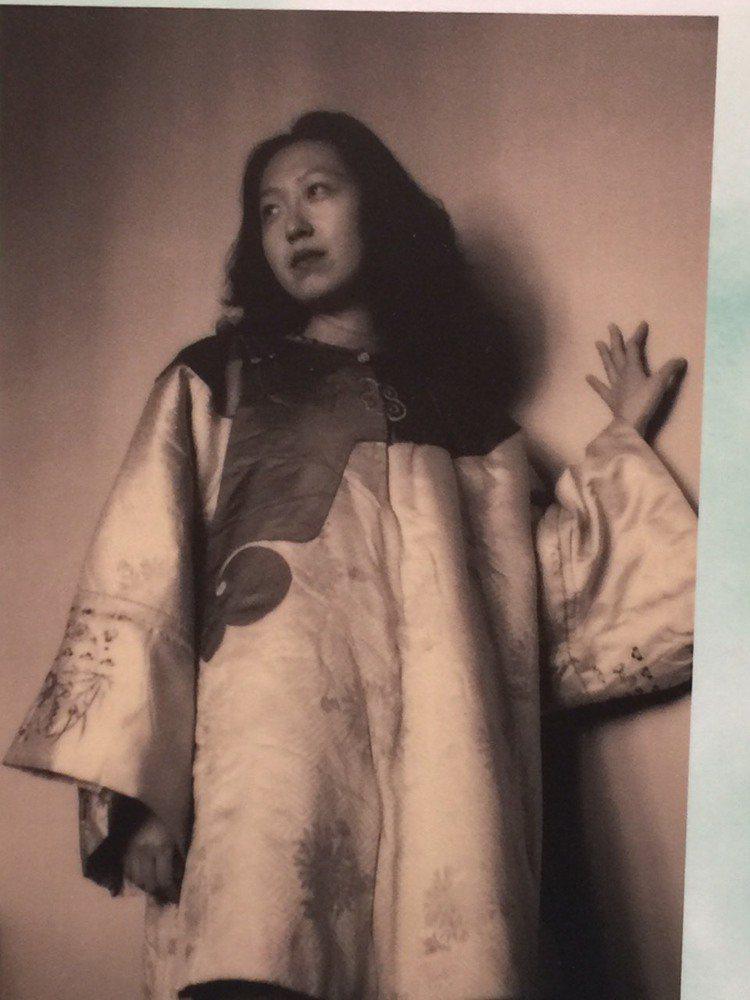 生身愛穿旗袍的張愛玲,有「旗袍麗人」之稱。陶福媛/翻攝
