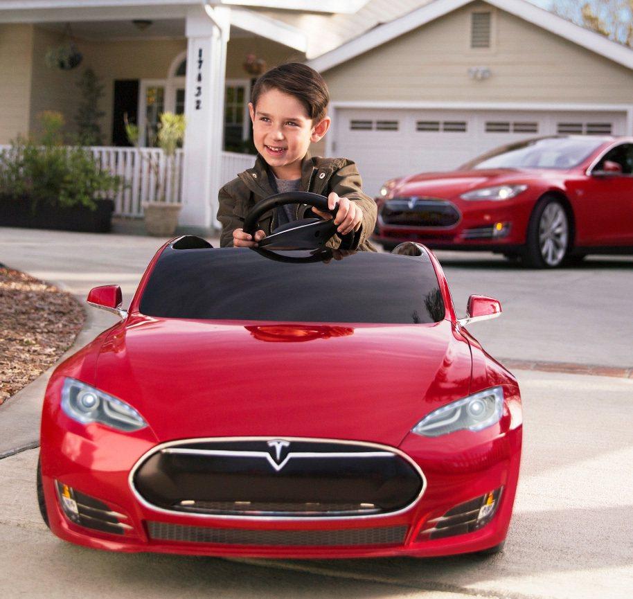 Tesla Model S for Kids。 圖/截自Radio Flyer