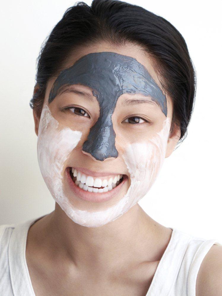 塗抹式的面膜目前正夯,吸引消費者塗塗抹抹。圖/品木宣言提供