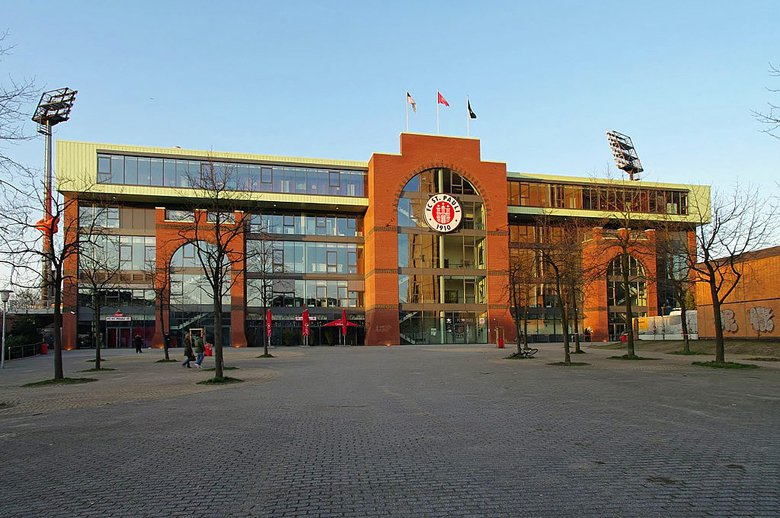 聖保利隊主場米蘭陀球場(Millerntor-Stadion)。 圖/via w...
