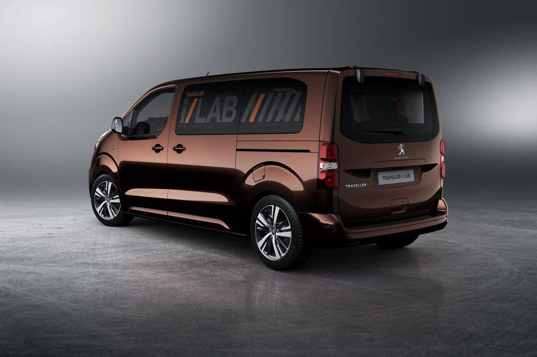 原廠將其換上Dark Copper車色及全新造型鋁圈,並賦予i-Lab VIP的...
