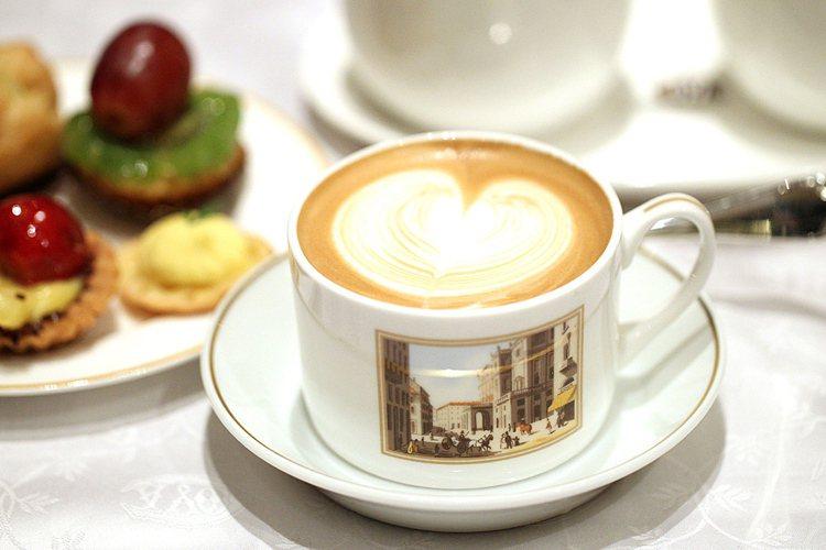 cappuccino。圖/COVA提供