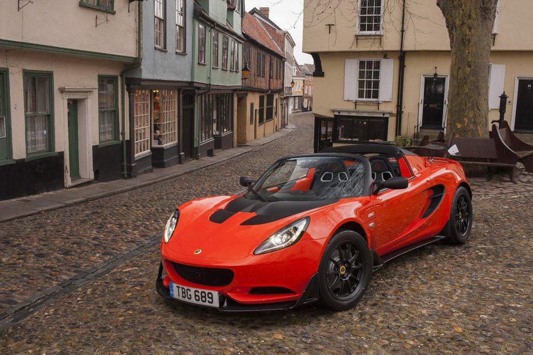 Lotus揭開全新Elise Cup 250的面貌,以更強悍的性表現,滿足玩家胃口。 摘自Lotus.com