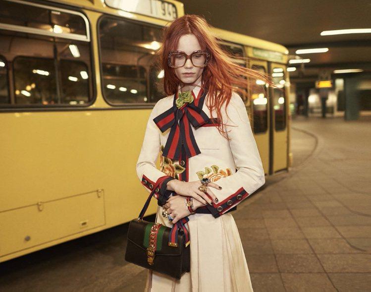 GUCCI 2016 春夏系列Sylvie 包款為品牌著名的經典織帶注入年輕活力...