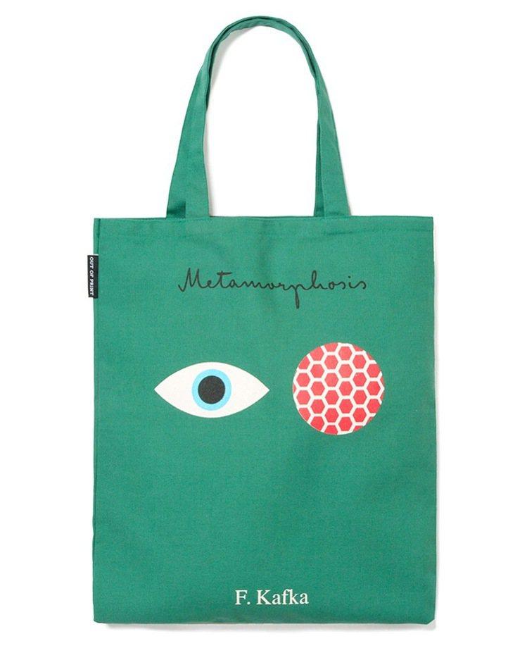 Out of Print法蘭茲卡夫卡購物袋,售價980元。圖/初衣食午提供