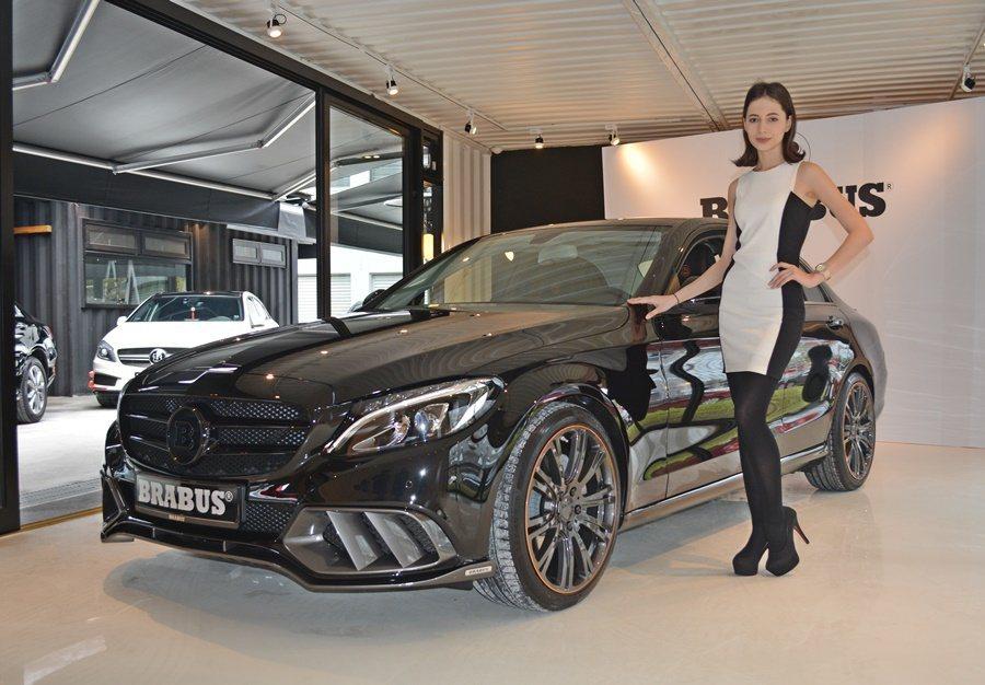 業者也引進報價300萬而比較容易上手的B25改裝車。