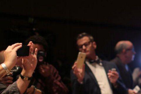 每年奧斯卡金像獎頒獎典禮結束後,款待並照顧巨星脾胃的奧斯卡晚宴備受期待,今年仍由米其林大廚帕克統籌,主辦單位今天公開色香味俱全的菜色,吸睛又令人食指大動。今年66歲的奧地利名廚帕克(Wolfgang...