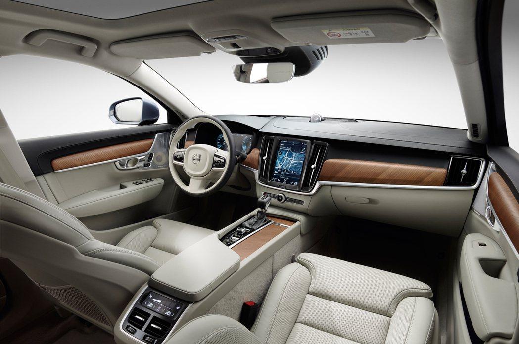 內裝與S90類似,兼具科技及豪華感。 圖/Volvo提供
